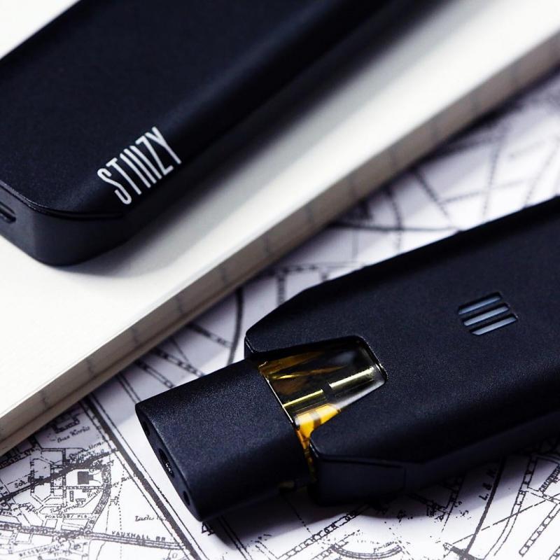 STIIIZY BIIIG Battery ADVANCED Kit